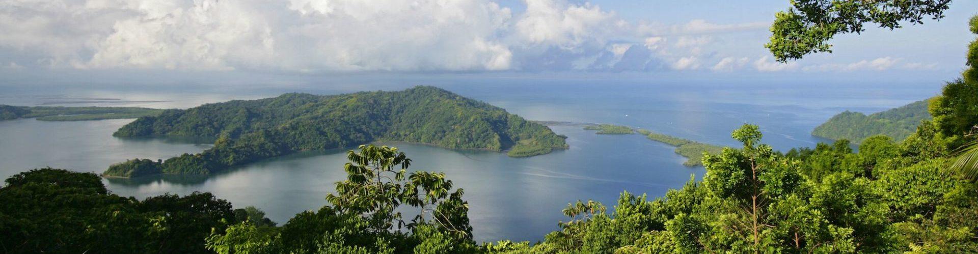 Costa Rica, Regenwald, Sicht auf Bucht, Latin America Tours, Reisen