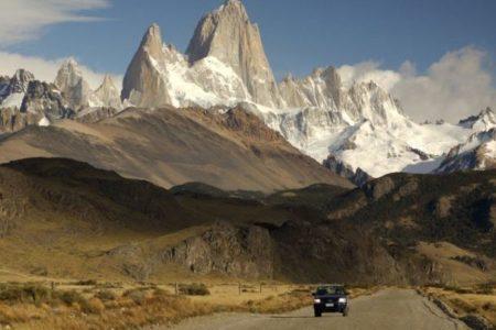 Argentinien, Patagonien, Fitz Roy mit Strasse, Mietwagenreise, Latin America Tours