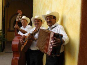 Mexiko, Mariachis, Posada del Hidalgo, El Fuerte, Mexiko Reise planen, Latin America Tours